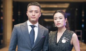 Hồng Đăng: 'Hoàng Thùy Linh e dè khi hôn tôi'