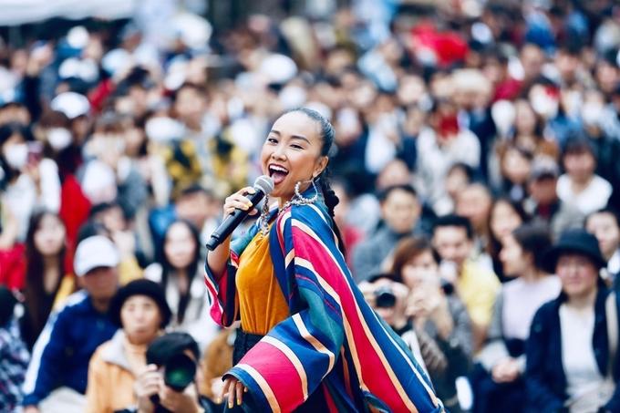 Đoan Trang bùng nổ trước hàng nghìn khán giả Nhật