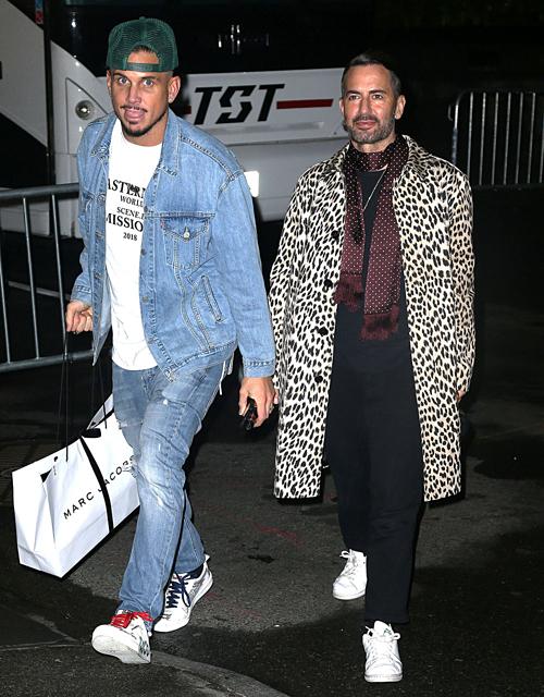 NTK Marc Jacobs dự tiệc cùng người chồng mới kết hôn, Char Defrancesco.