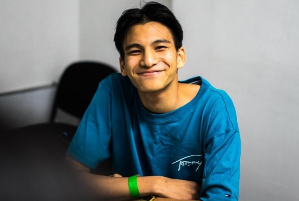 Nam ca - nhạc sĩ đến từ Thái LanPhum Viphurit.