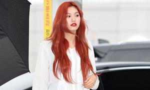 Red Velvet, Weki Meki xinh đẹp khi ra sân bay sang Việt Nam