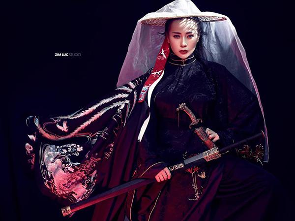 Phương Oanh gây bất ngờ, khiến fan khó nhận ra với tạo hình cổ trang.