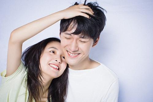 Khả năng tương tác giữa anh và nữ chính Ngô Thiến (trong vai Kiều Nhất) cũng là một điểm cộng dành cho phim.