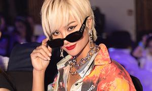 H'Hen Niê tóc vàng hoe dự show thời trang