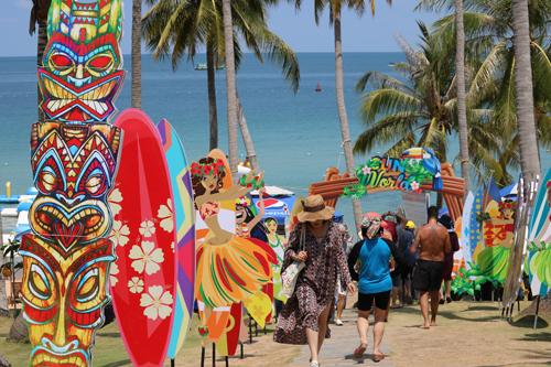 Đảo Hòn Thơm trang trí đẹp mắt đón du khách dịp lễ.