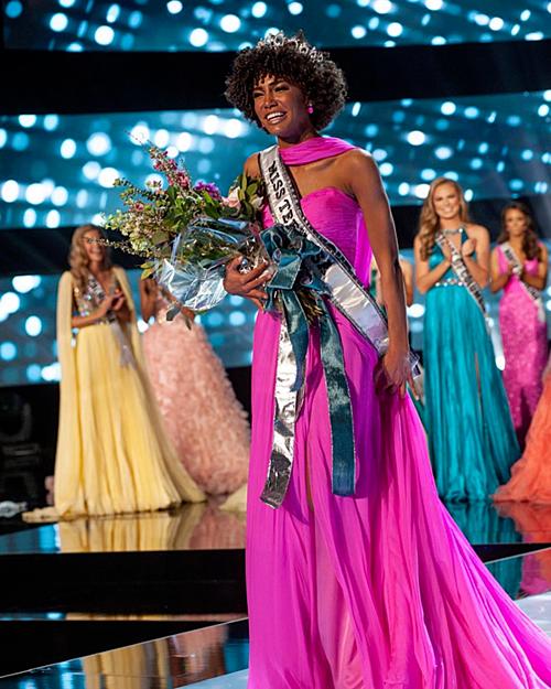 Tân Miss Teen USA 2019 - Kaliegh Garris.