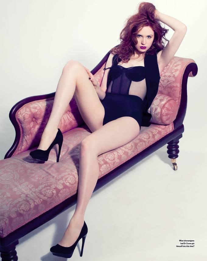 <p> Nữ diễn viên 32 tuổi có vẻ đẹp gợi cảm và nóng bỏng. Với chiều cao 1,8m và gương mặt ấn tượng, Karen Gillan được nhiều tạp chí mời chụp ảnh bìa.</p>