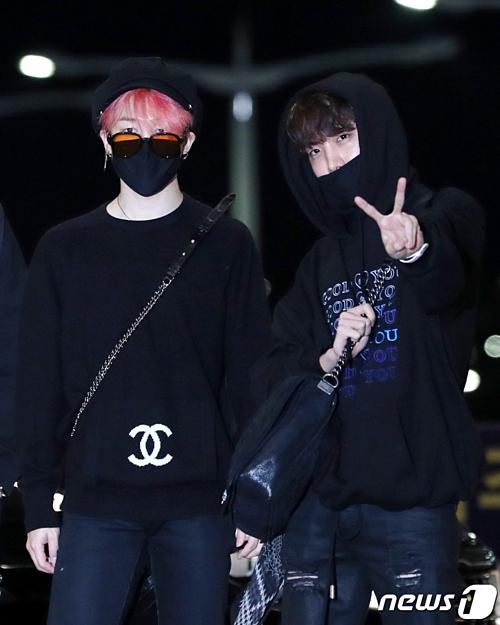 Ji Min và J-Hope cùng diện style all-black.