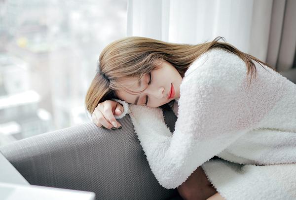 Tại sao bạn luôn mệt mỏi dù đã ngủ đủ giấc? - 1