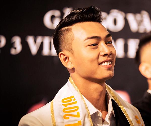 Vẻ nam tính của đại diện Việt Nam tại Man of The World 2019
