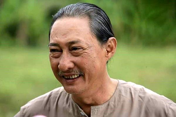 Nghệ sĩ Lê Bình.