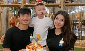 HLV Park và dàn sao bóng đá nghỉ lễ bên gia đình, người yêu