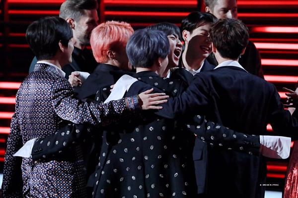Top Duo/Group là giải thưởng đến từ hạng mục chính thức do giới chuyên môn bình chọn, dựa trên điểm album cùng điểm nhạc số, lượt stream, lượt phát radio, tour diễn và tương tác trên mạng xã hội. Với việc chiến thắng giải này, BTS đã lập nên kỳ tích khi trở thành nghệ sĩ châu Á đầu tiên thắng Top Duo/Group trong lịch sửBBMA. Ngoài ra, BTS cũng 3 năm liên tiếp giành giải Top Social Artist (Nghệ sĩ mạng xã hội hàng đầu) do fan bình chọn.