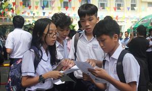Hơn 60.000 thí sinh vào lớp 10 ở Hà Nội, TP HCM sẽ trượt công lập