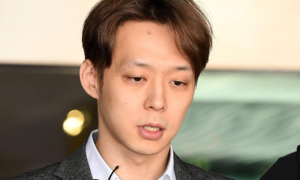 Park Yoo Chun phờ phạc, xin lỗi vì đã nói dối