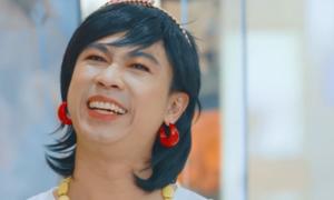 Hồ Việt Trung: 'Chết khiếp vì phải độn ngực để giả gái'
