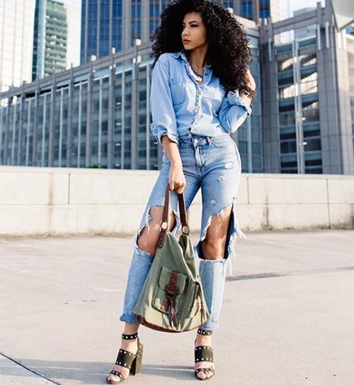 Cheslie là người sáng lập White Collar Glam, một blog phong cách sống chia sẻ thời trang công sở cho phụ nữ.
