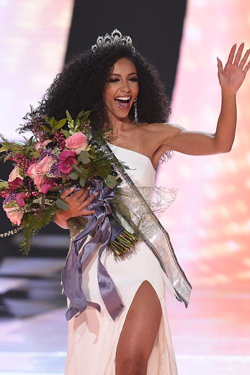 Với việc đăng quang Hoa hậu Mỹ 2019, Cheslie sẽ trở thành đại diện của đất nước này tại Miss Universe 2019. Ở tuổi 28, cô chỉ còn một cơ hội cuối cùng để chinh phục ngôi vị cao nhất của cuộc thi sắc đẹp danh giá hành tinh.