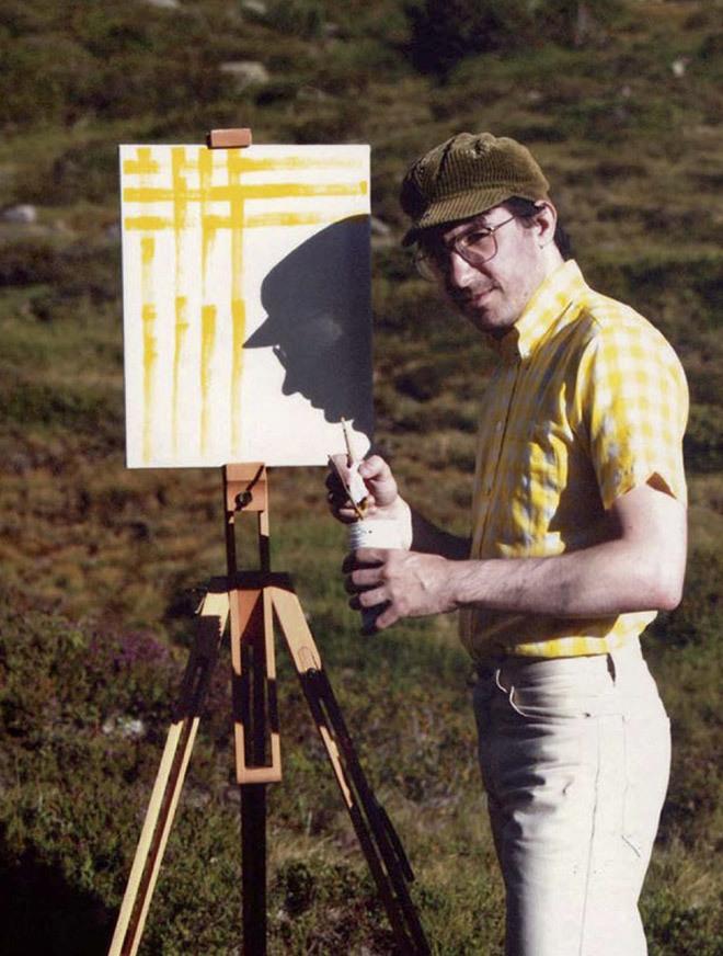 """<p> Schubert chia sẻ, bộ đôi đã nảy ra ý tưởng này vào năm 2009 ngay sau khi họ gặp nhau lúc đi leo núi Zillertal Alps ở Áo. """"Hai chúng tôi đi lang thang tìm niềm cảm hứng sáng tạo nghệ thuật. Chúng tôi đã kết hợp với nhau, tôi có máy ảnh còn Schmidt có tranh và giá vẽ"""", anh nói với <em>Huffpost.</em></p>"""