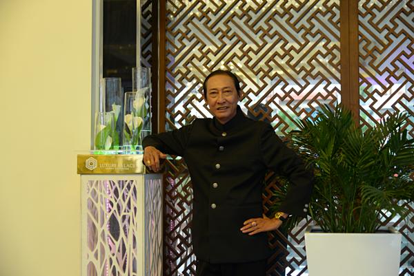 Cố diễn viên Lê Bình góp mặt một vai trong phim.