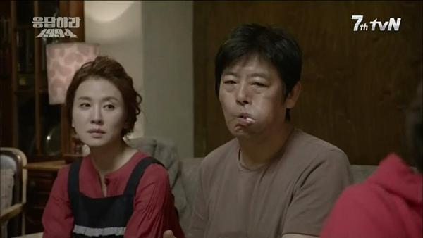 Nữ diễn viên Lee Il Hwa (trái)