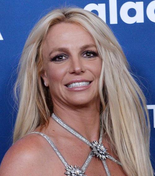 Từng được xem là mỹ nhân nóng bỏng bậc nhất thế giới nhưng hiện tại, Britney có thân hình xập xệ.
