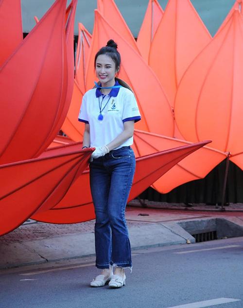 Angela Phương Trinh ngày càng giản dị, gần gũi và thường dành thời gian cho hoạt động cộng đồng thay vì chạy show sự kiện.