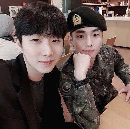 Key (SHINee) gặp gỡ bạn bè trong kỳ nghỉ đầu tiên từ khi nhập ngũ.