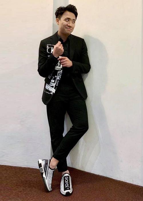 Phong cách thời trang của Trấn Thành là bảnh bao và lịch lãm. Đại gia của showbiz luôn đầu tư trang phục, phụ kiện giá hàng trăm triệu đồng lúc xuất hiện trước công chúng.