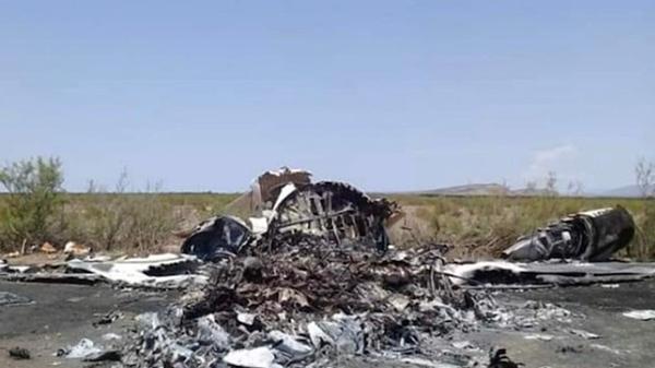 Đống đổ nát được công bố trên truyền hình địa phương về vụ máy bay rơi ở Mexico.