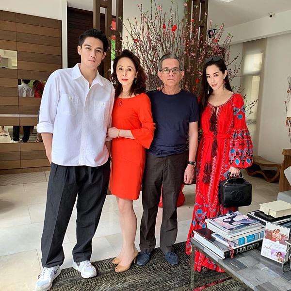 Elroy là con trai út trong gia đình tỷ phú Cheo Tong Choon.