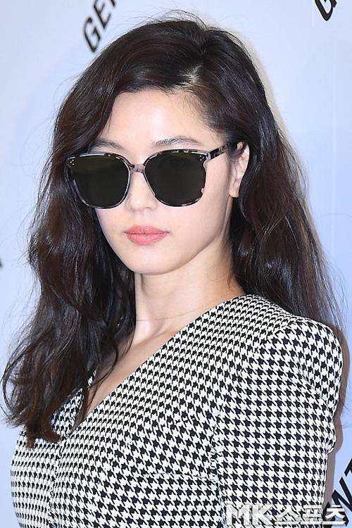Mợ chảnh Jeon Ji Hyun khiến fan choáng trước nhan sắc trẻ trung, body nuột nà - 3