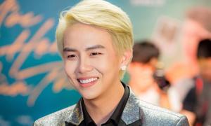 Duy Khánh: 'Lần đầu đóng cảnh nóng, tôi rất ngượng'