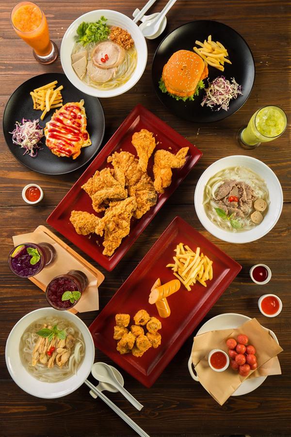 Nhà hàngkết hợp nền ẩm thực độc đáo giữa Việt Nam và Thái Lan.