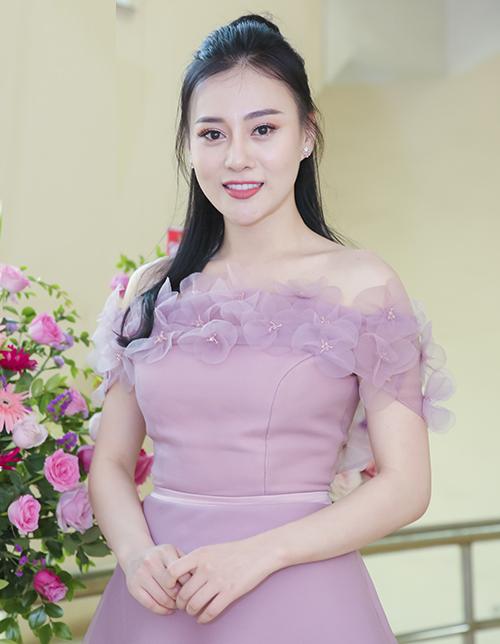 Phương Oanh là một trong các đại sứ của chương trình thời trang từ thiện này. Ngoài việc tham gia trình diễn cùng các mẫu nhí, Quỳnh búp bê sẽ trực tiếp đồng hành cùng các hoạt động từ thiện ngay sau show.