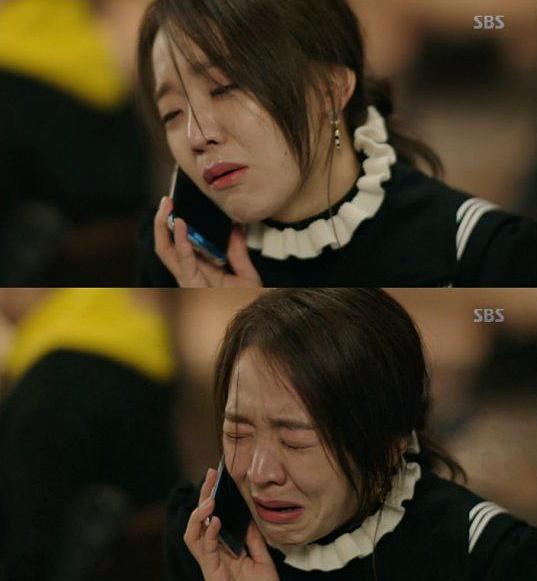 Cảnh phim đáng nhớ của Shin Hye Sun trong Huyền thoại biển xanh.