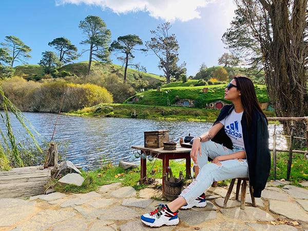 Võ Hoàng Yến thả hồn giữa khung cảnh thiên nhiên đẹp như tranh ở New Zealand.