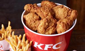 Sinh viên đóng giả 'thanh tra' để ăn gà KFC miễn phí suốt một năm