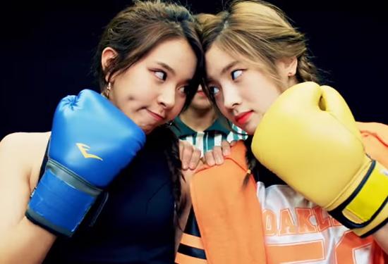 Các Once so tài kể chuẩn tên MV của Twice - 3