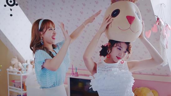 Các Once so tài kể chuẩn tên MV của Twice - 7