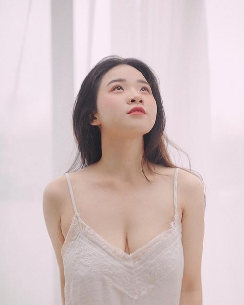 Giảm cân thành công, trở nên xinh đẹp hơn nhưng Vân Anh vẫn chưa có được hạnh phúc trong tình cảm. Cô đăng kýxuất hiện ở gamshow Người ấy là ai để tìm cho mình một người phù hợp sau mối tình 6 năm không thành.