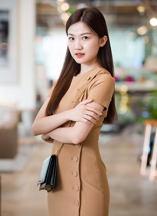 Nữ diễn viên Lương Thanh đắt show hơn sau vai gây chú ý trong Những cô gái trong thành phố.
