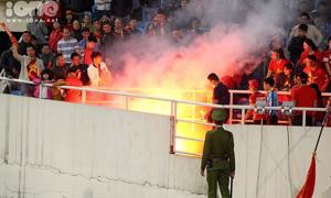 VFF bị phạt 1 tỷ đồng vì CĐV đốt pháo sáng tại Vòng loại U23 châu Á
