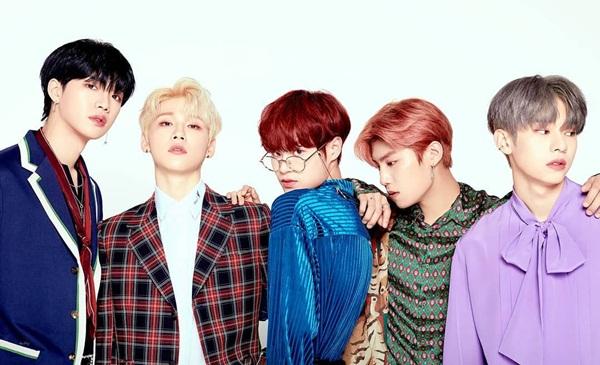 Lee Dae Hwi (giữa) chia sẻ poster của boygroup AB6IX, đếm ngược ngày debut.