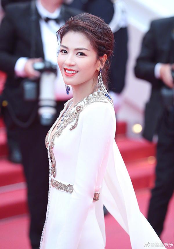 Nữ diễn viên khoe dáng vóc, nhan sắc trẻ đẹp ở tuổi 40.