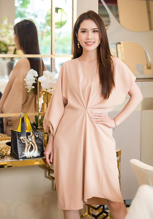 Thùy Dương vẫn giữ được sự tươi tắn sau gần 10 năm lọt vào Top 10 Hoa hậu Việt Nam 2010.