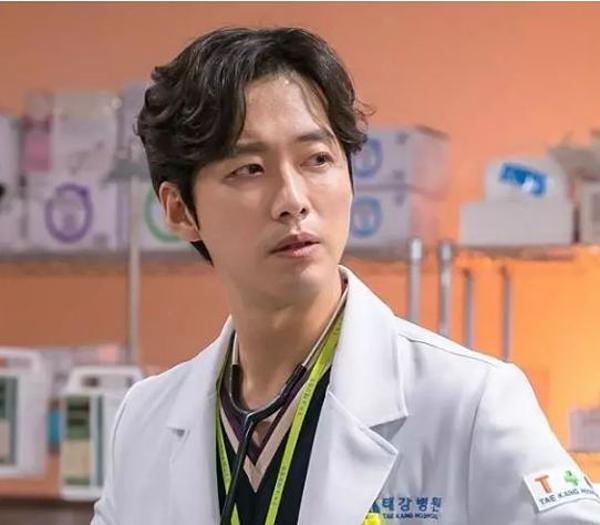 6 drama Hàn đáng xem nhất nửa đầu 2019 - 3