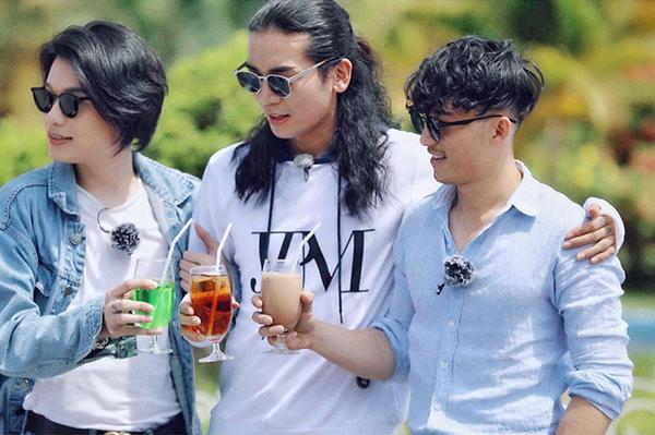 Bộ ba diễn viên BB Trần, Liên Bỉnh Phát, Quang Trung thần thái khi chơi Chạy đi chờ chi.