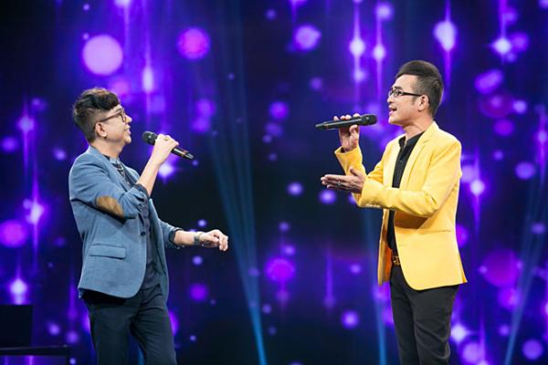 Vương Bảo Tuấn biểu diễn cùng Long Nhật.