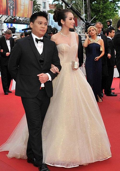 Trúc Diễm đầu tư lớn cho lần đầu đến dự Cannes với bộ đầm kiểu công chúa của NTK Chung Thanh Phong.